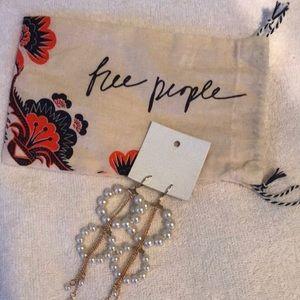 pearl drop free people earrings NWT